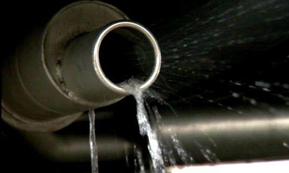 خروج مایع از اگزوز یا خروج آب از اگزوز